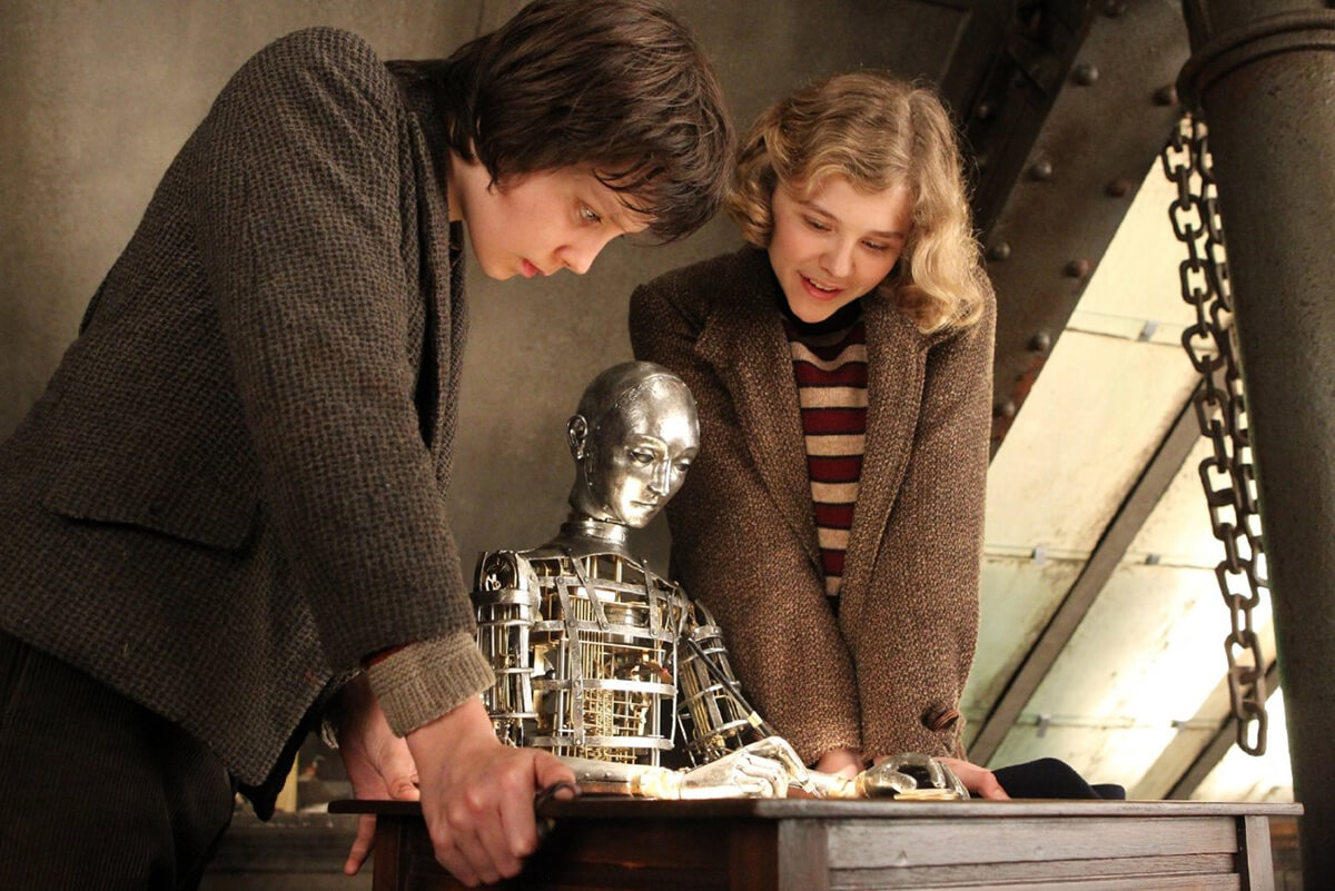 The writing automaton in the film 'Hugo' (photo courtesy IMDB)