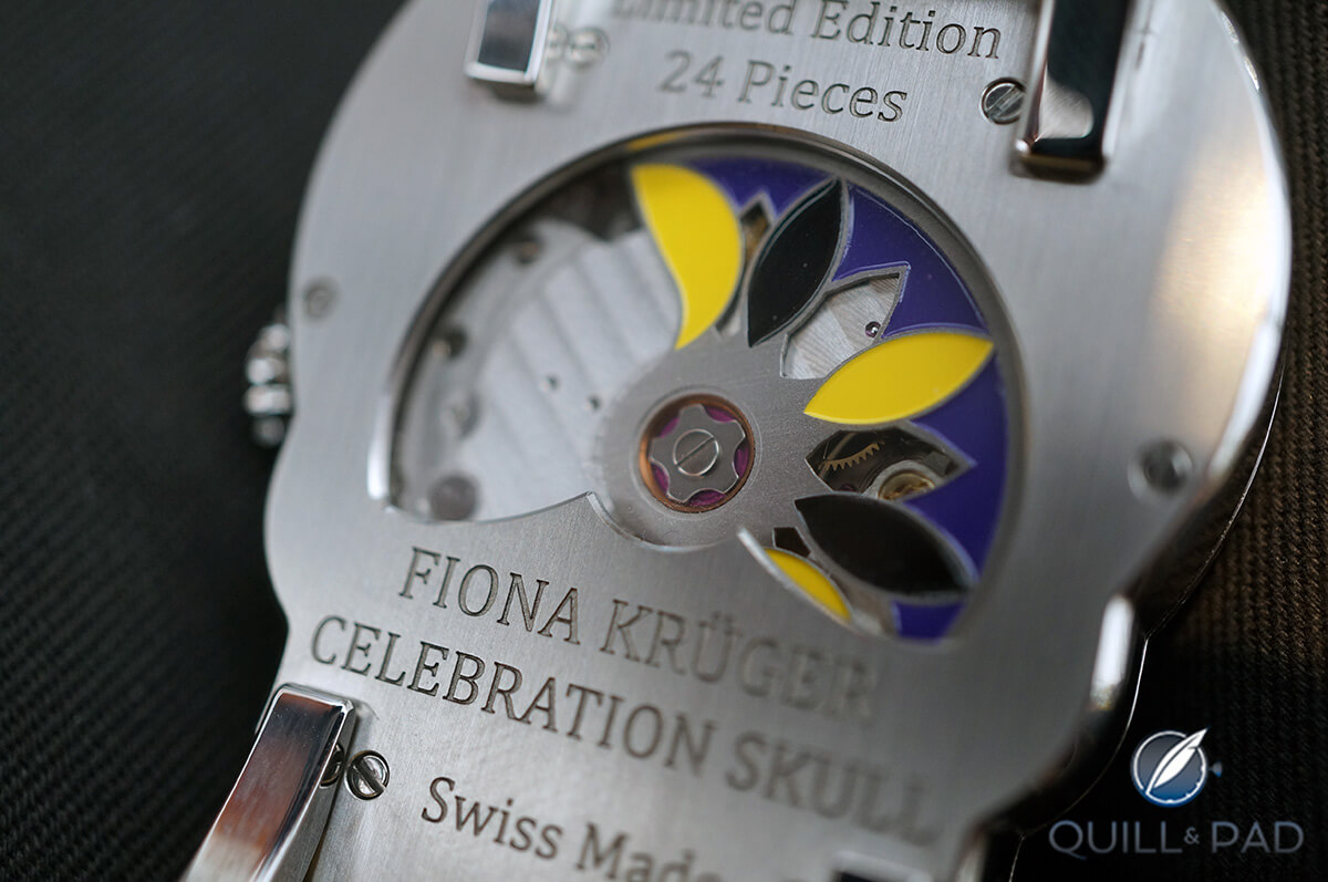 Colorful winding rotor on the back of Fiona Krüger's Celebration Skull