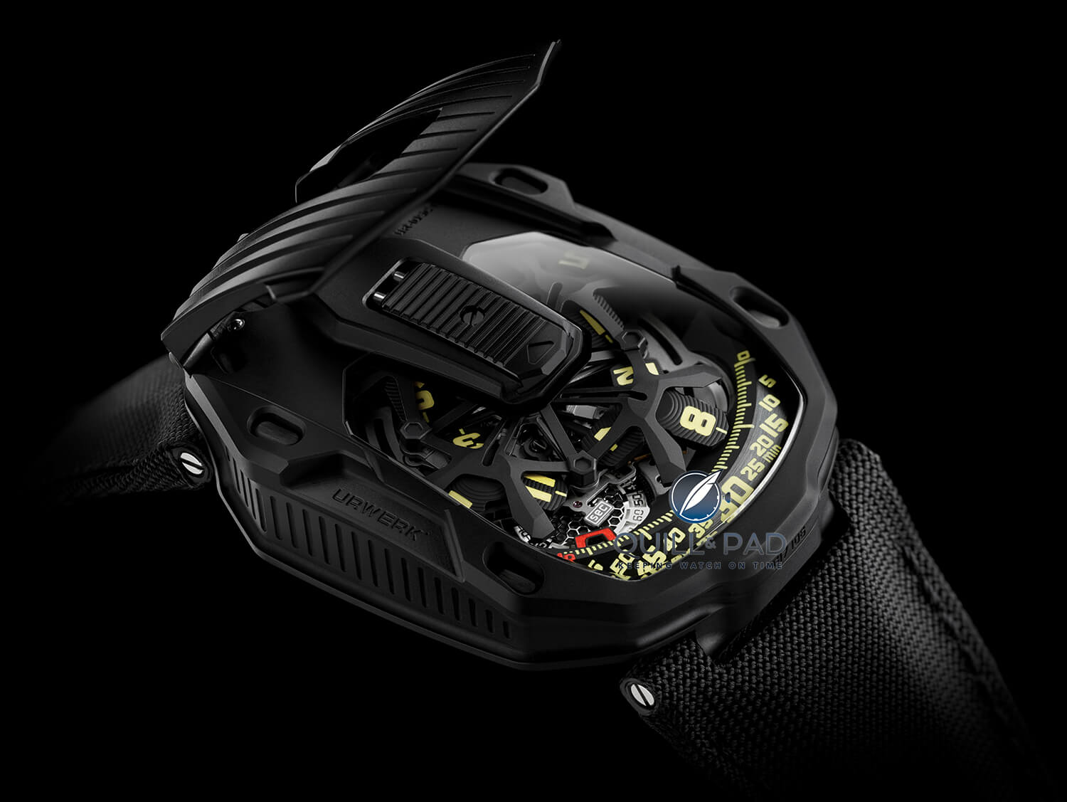 Urwerk UR-105 CT Black with cover open
