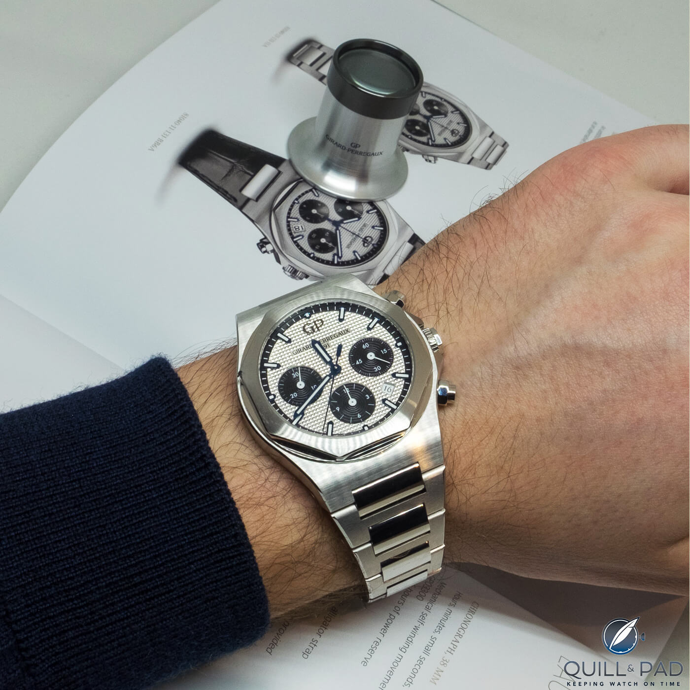 Girard-Perregaux Laureato Chronograph 38 mm on the wrist (photo courtesy ch24.pl)